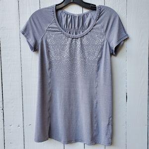 LULULEMON fitnes t shirt top gray size 4 stretch